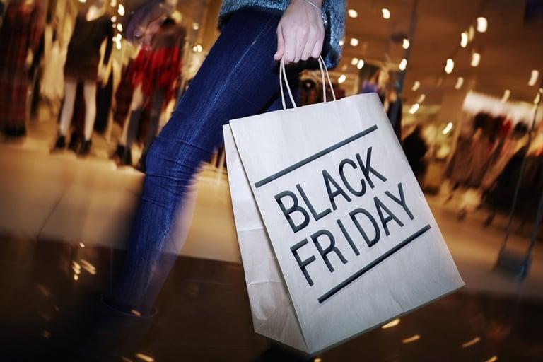 black_friday_sleep_instead_of_shop