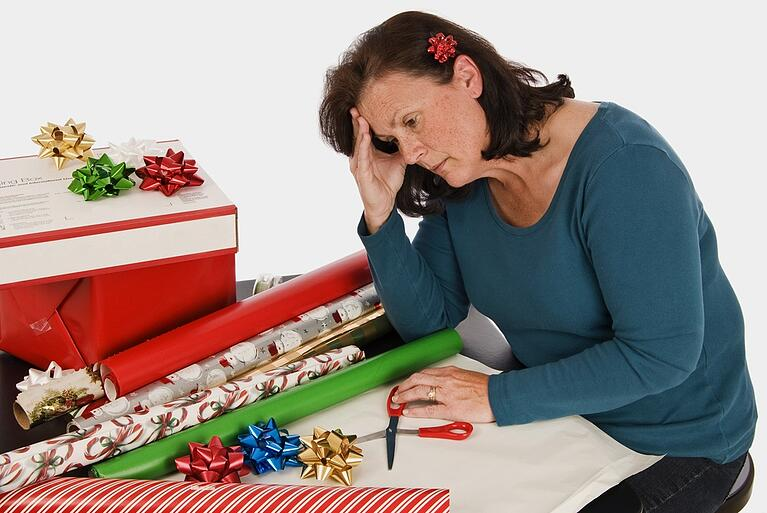 woman_tired_at_Christmas_from_lack_of_sleep_allergies