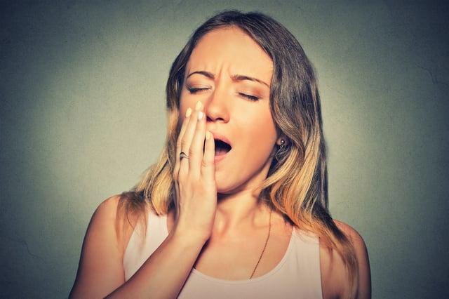 young_woman_yawning_sleep_apnea