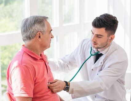 doctor_examine_patient.jpg